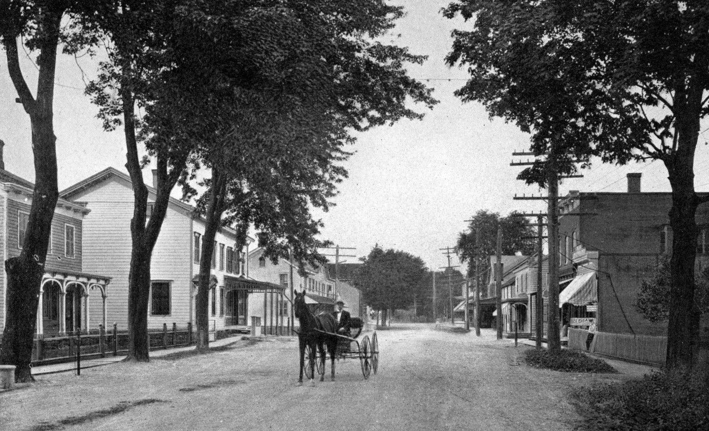 Broadway-in-Port-Ewen-NY-Ulster-County